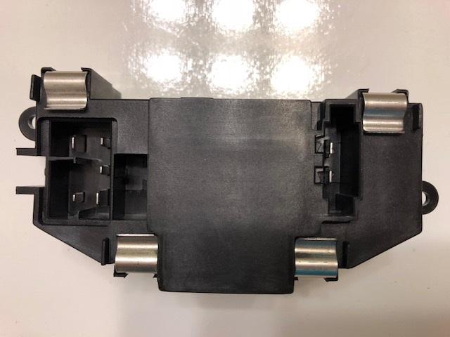 3C0907521F 3C0907521G R064 New HVAC Blower Motor Resistor OEM# 3C0907521D